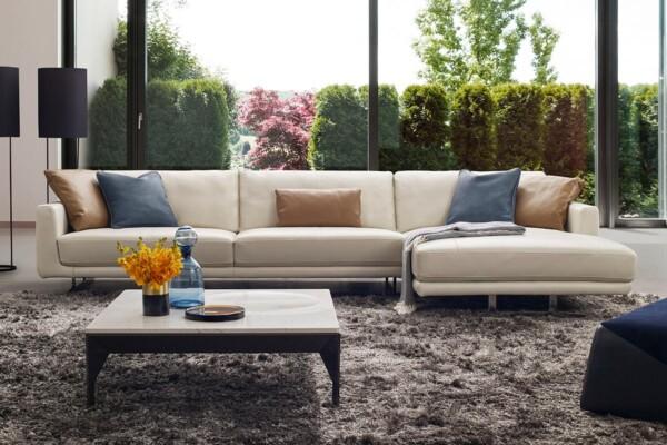 Современный угловой низкий диван на металлических ножках DM-A0217. Супермаркет диванов Релакс Студио