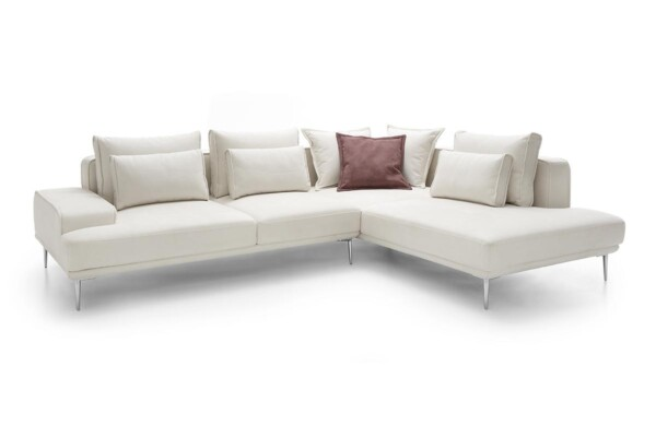 Кутовий диван на металевих ніжках. Модель Livio