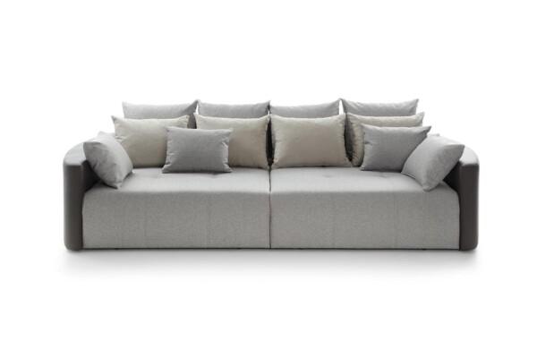 Диван Pura - великий диван для спальні чи вітальні | Супермаркет диванів Relax Studio. Київ. ТЦ Аракс